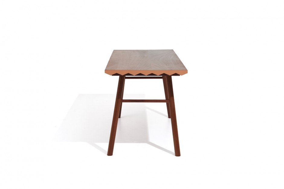Saw Tooth Table