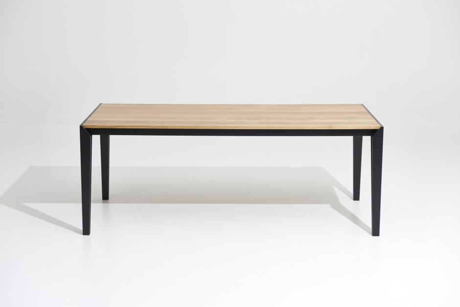 500 Table